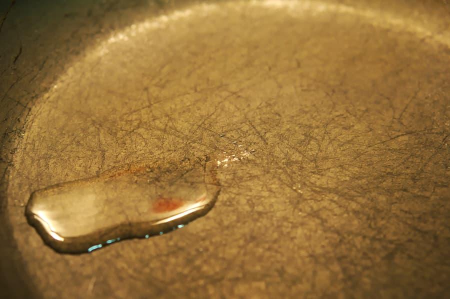 Cooking oil in frying pan